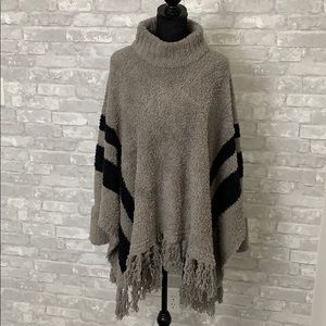 BAREFOOT DREAMS COZY TURTLENECK PONCHO